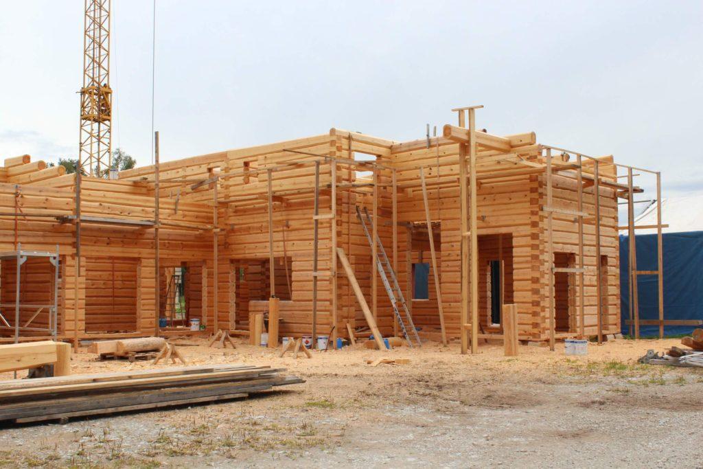 Palkmaja ehitamine tenderi tehases